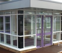https://www.cdwsystems.co.uk/wp-content/uploads/2017/06/202-Commercial-aluminium-door.jpg