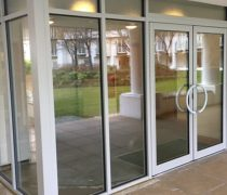 https://www.cdwsystems.co.uk/wp-content/uploads/2017/06/Automatic-swinging-doors.jpg
