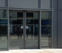 https://www.cdwsystems.co.uk/wp-content/uploads/2017/06/Curtain-walling-and-automatic-doors.jpg