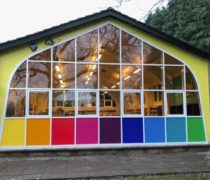 https://www.cdwsystems.co.uk/wp-content/uploads/2017/06/Elegance-curtain-walling-coloured-panels.jpg