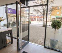 https://www.cdwsystems.co.uk/wp-content/uploads/2017/06/Sapa-202-Commercial-door-interior-view.jpg