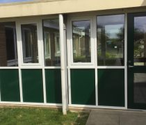 https://www.cdwsystems.co.uk/wp-content/uploads/2017/06/Sapa-202-commercial-entrance-door.jpg